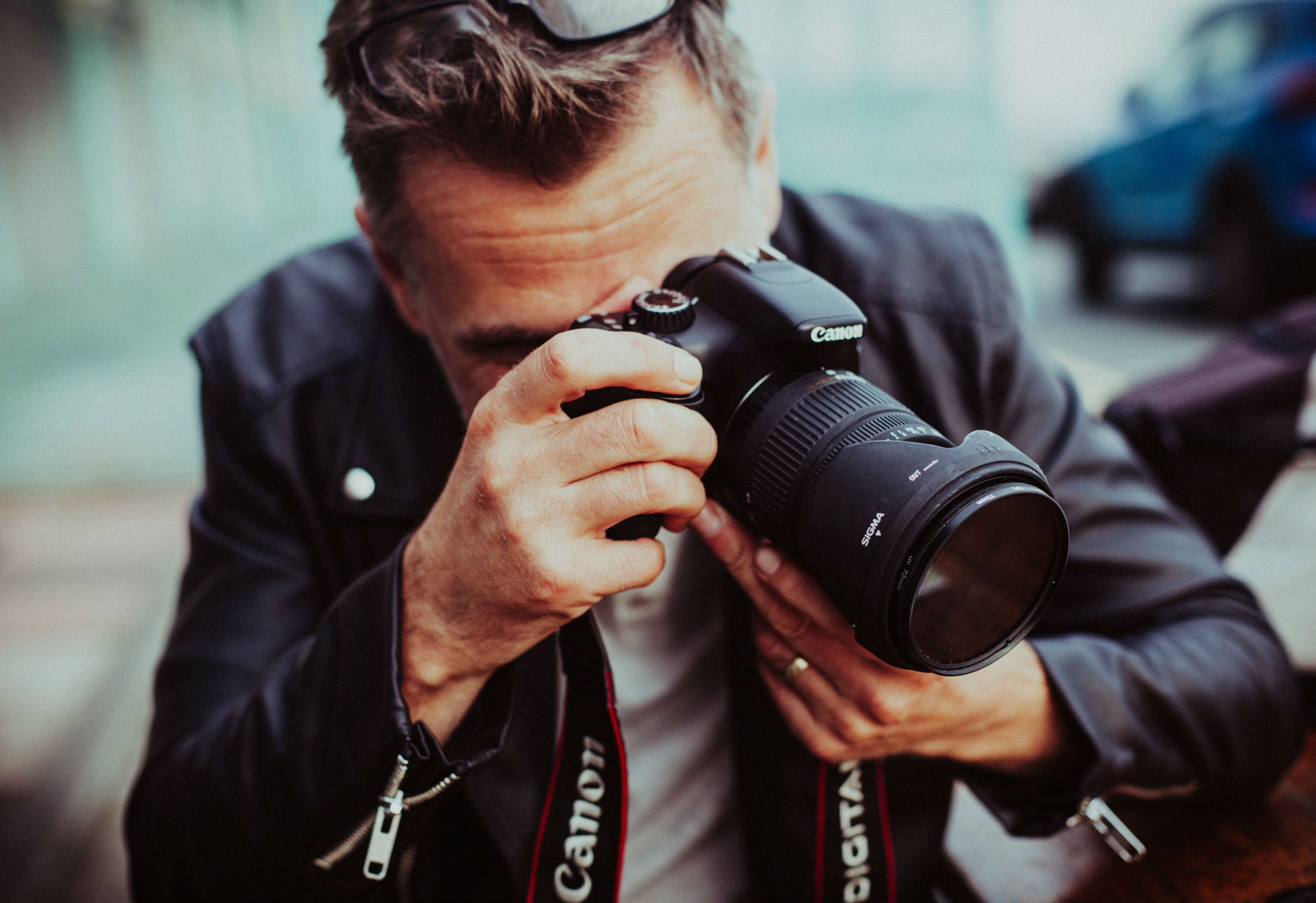 how to become a professional photographer image