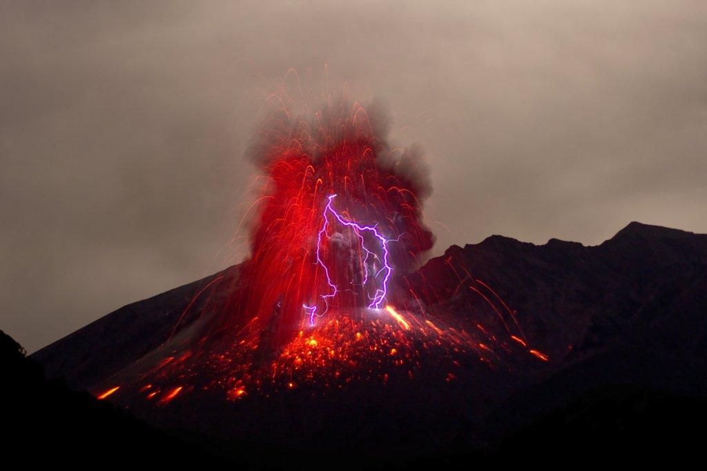 erupting volcano iceland image