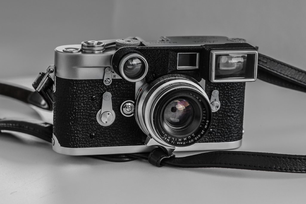 leica for sale image