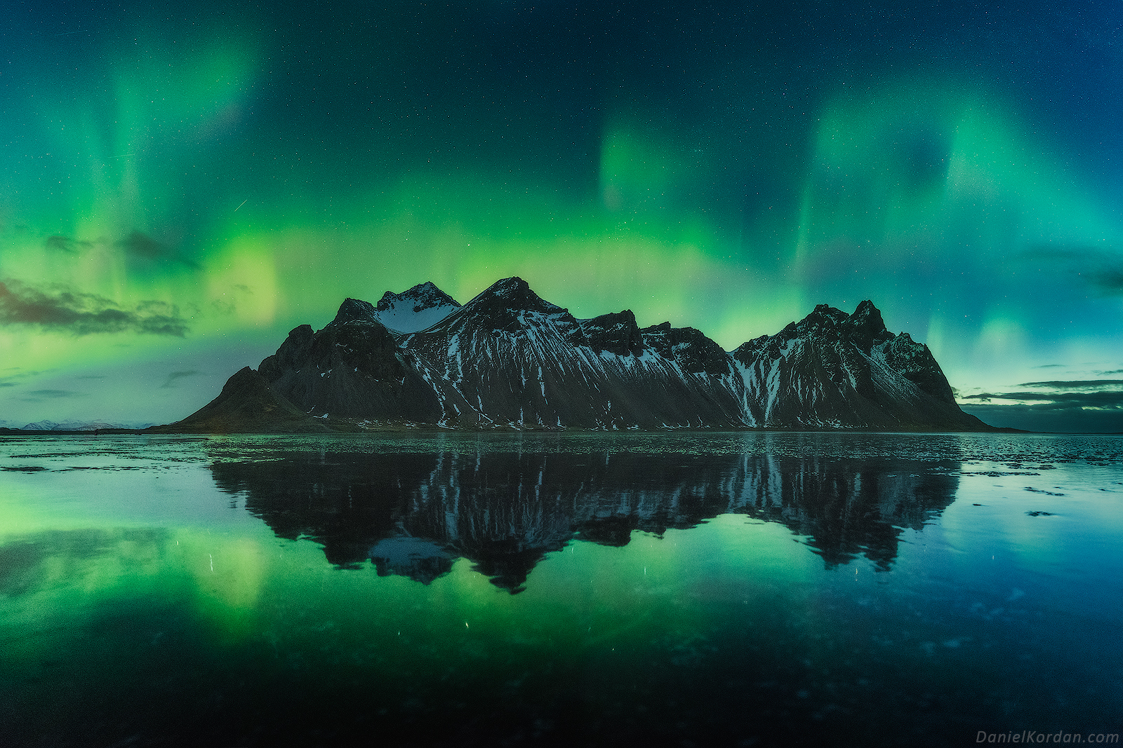 mesmerizing photos of iceland image