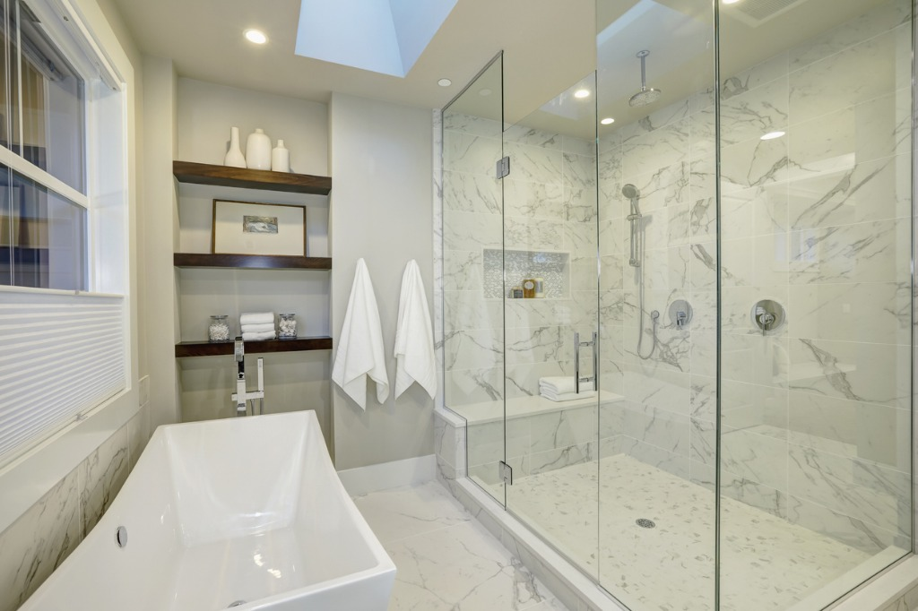 How to Photograph Bathrooms Ensure the Space is Spotless 2
