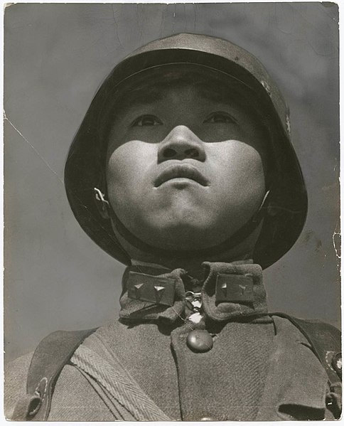 robert capa chinese soldier image