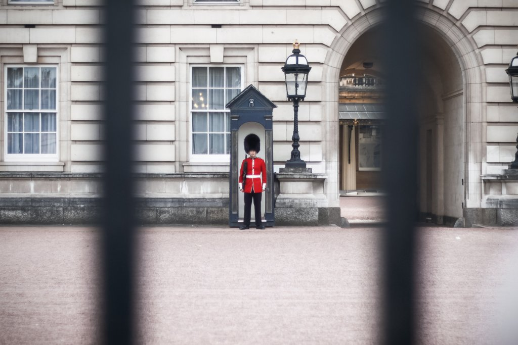 changing of the guards image