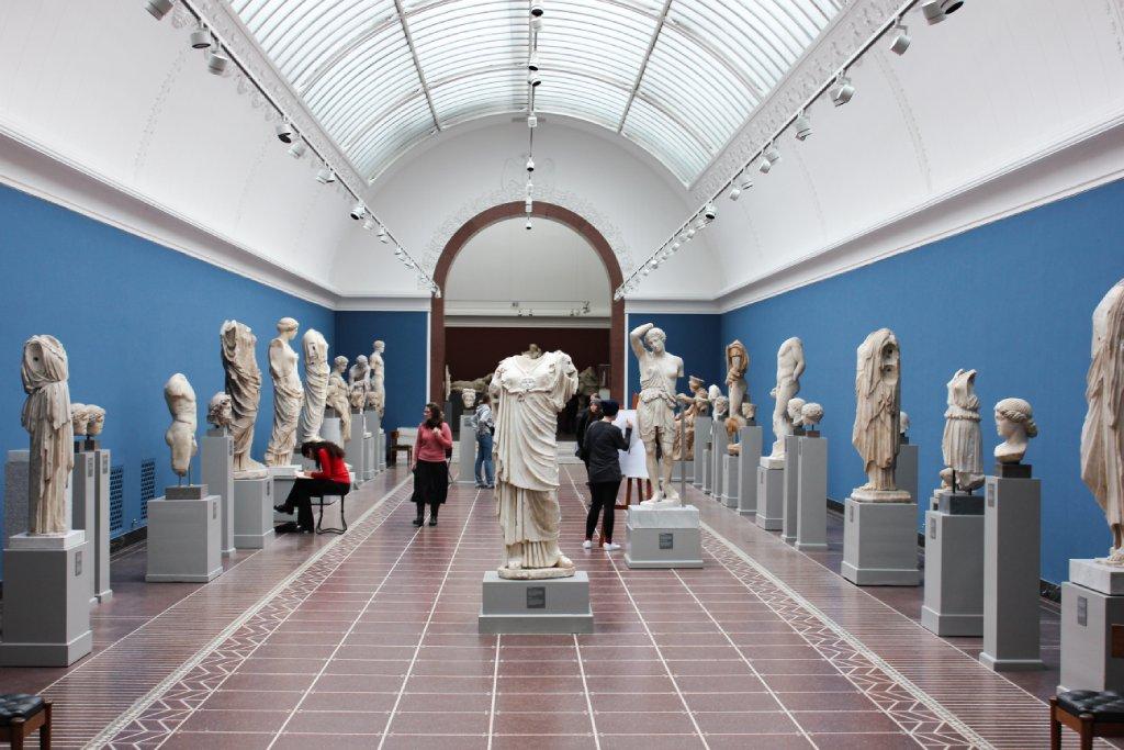 italian museums image