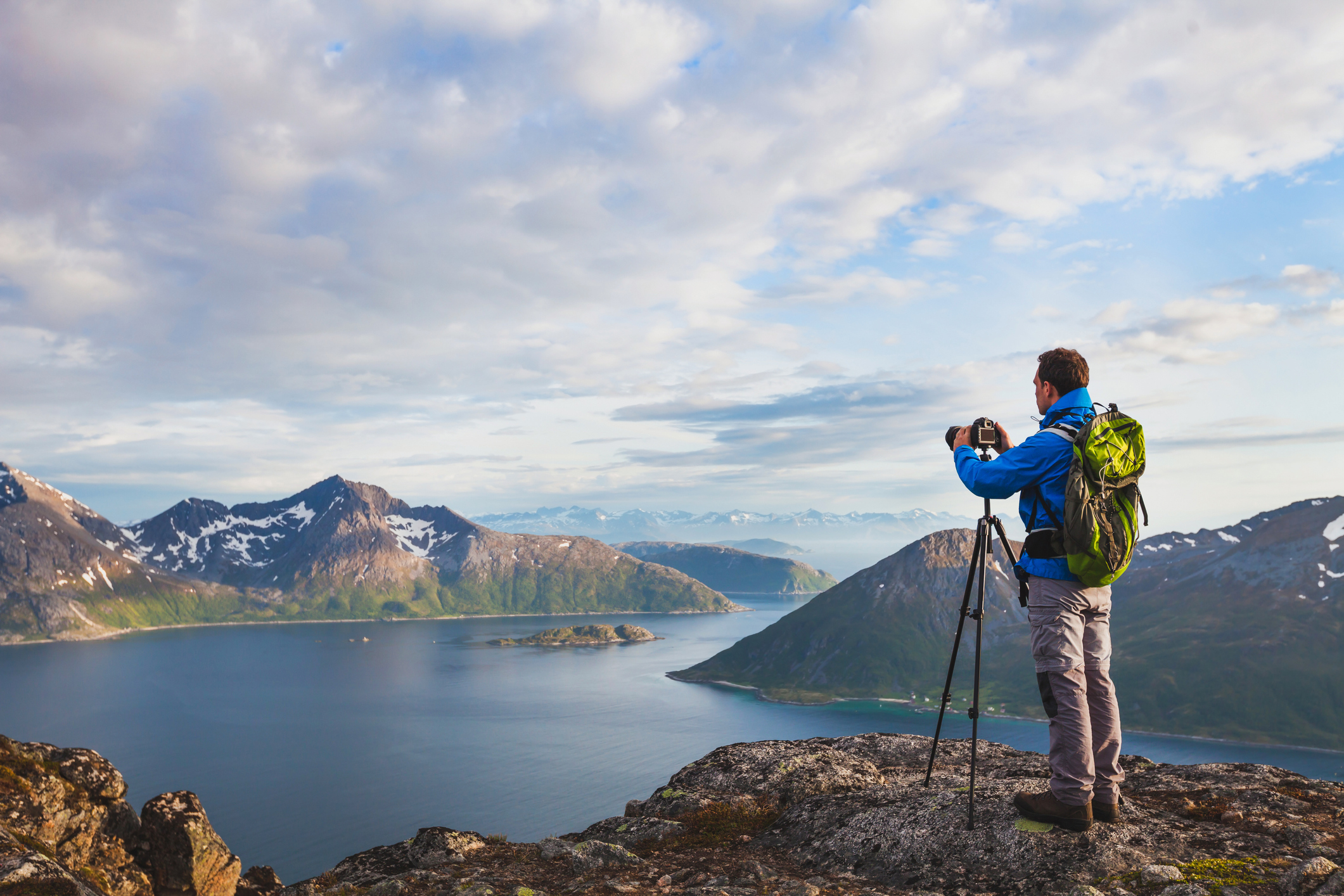 How to Choose a Travel Photography Lens