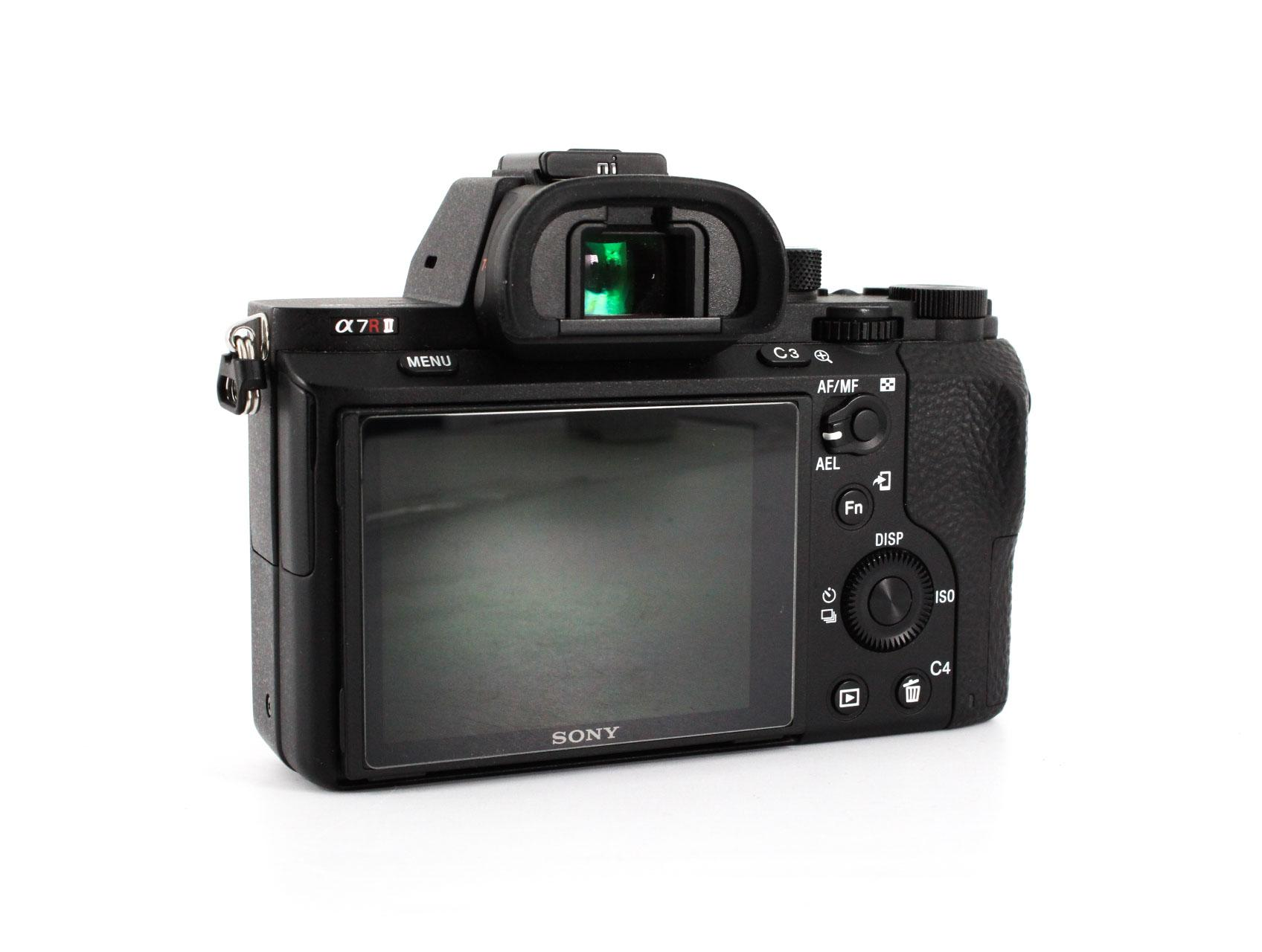 best sony cameras for portraist a7r II back image