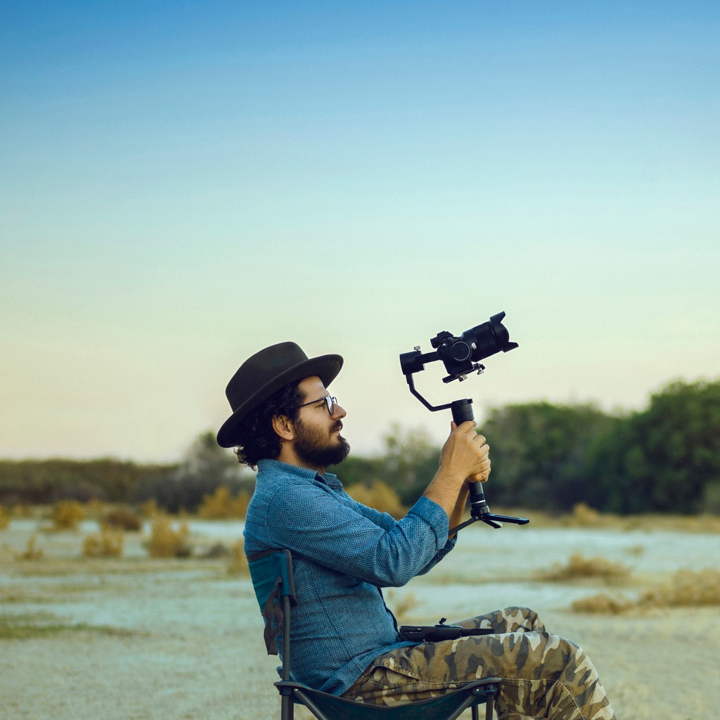 what is a gimbal stabilizer image