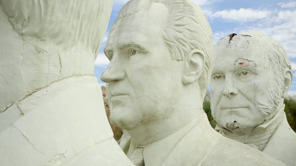 giant president heads 2 image