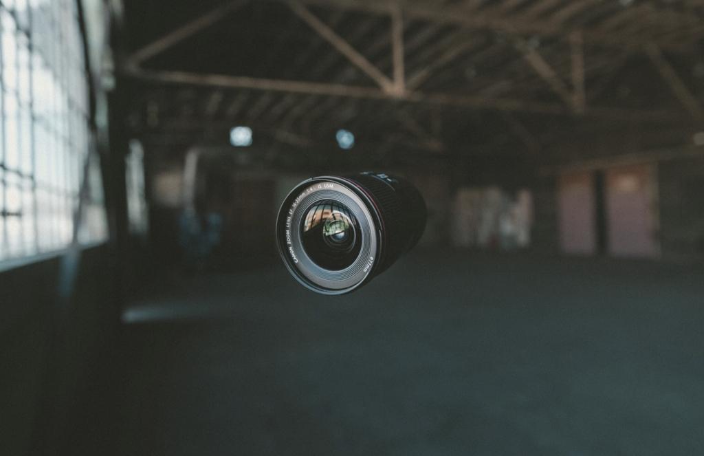best standard zoom lens for canon image