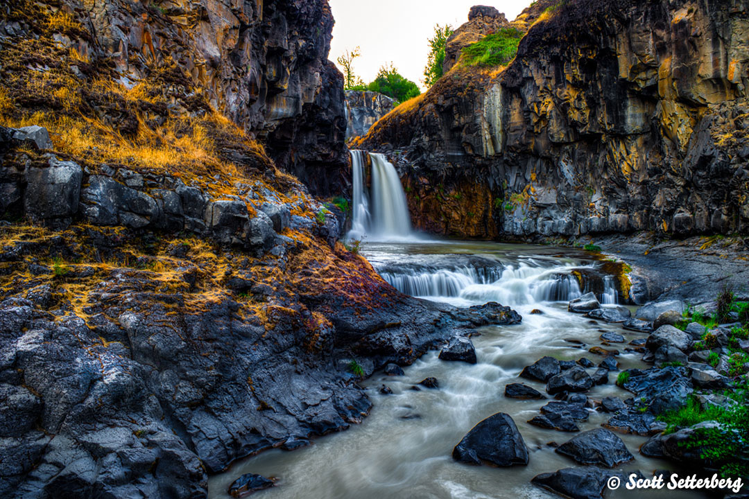 Lower White River Falls image
