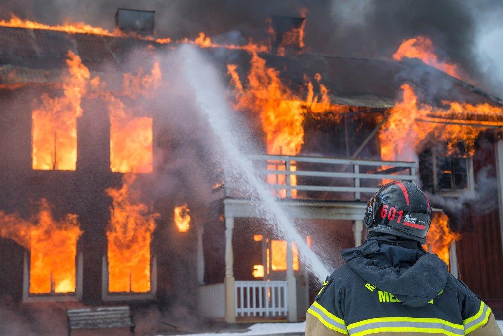 arson caught on camera image
