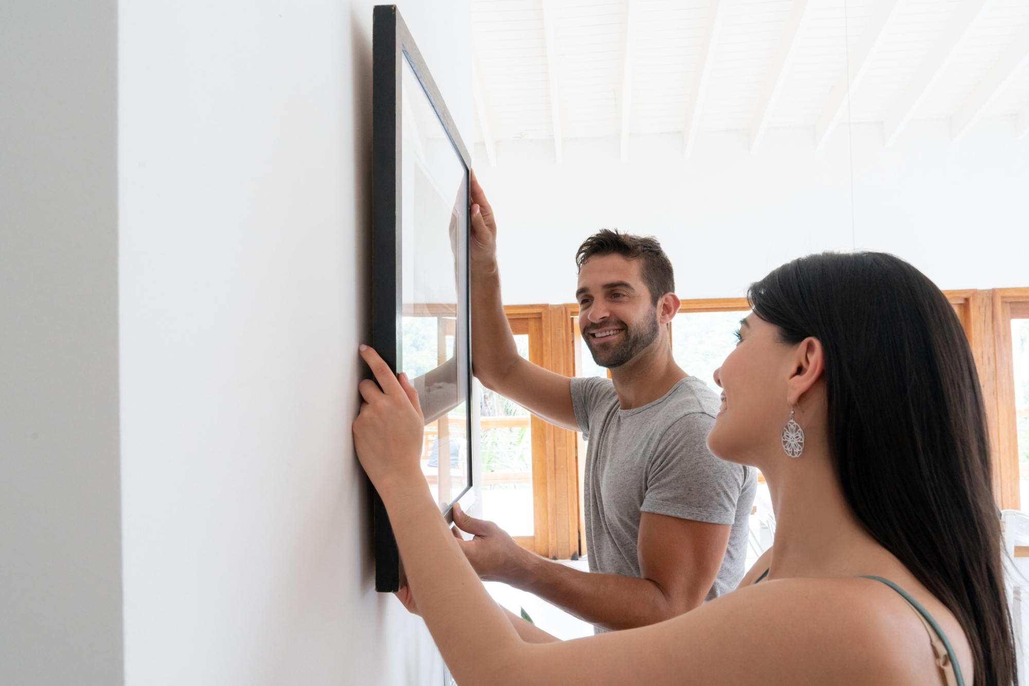 how to hang photos image