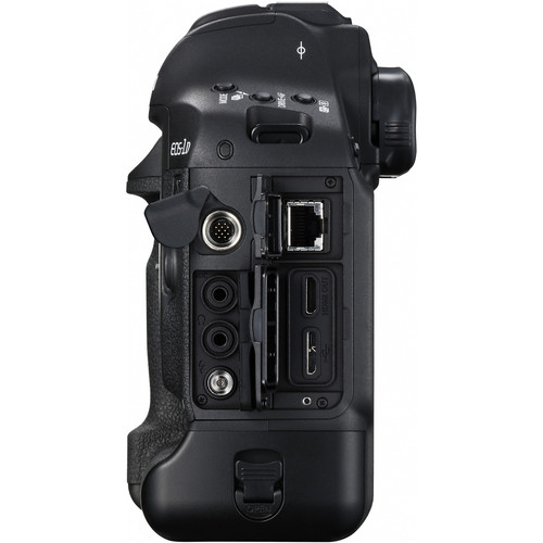 Canon EOS 1D X Mark II Build Handling 2 image