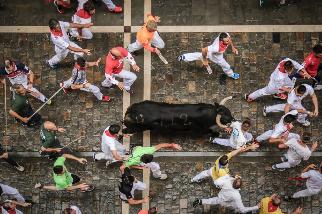 running of the bulls image