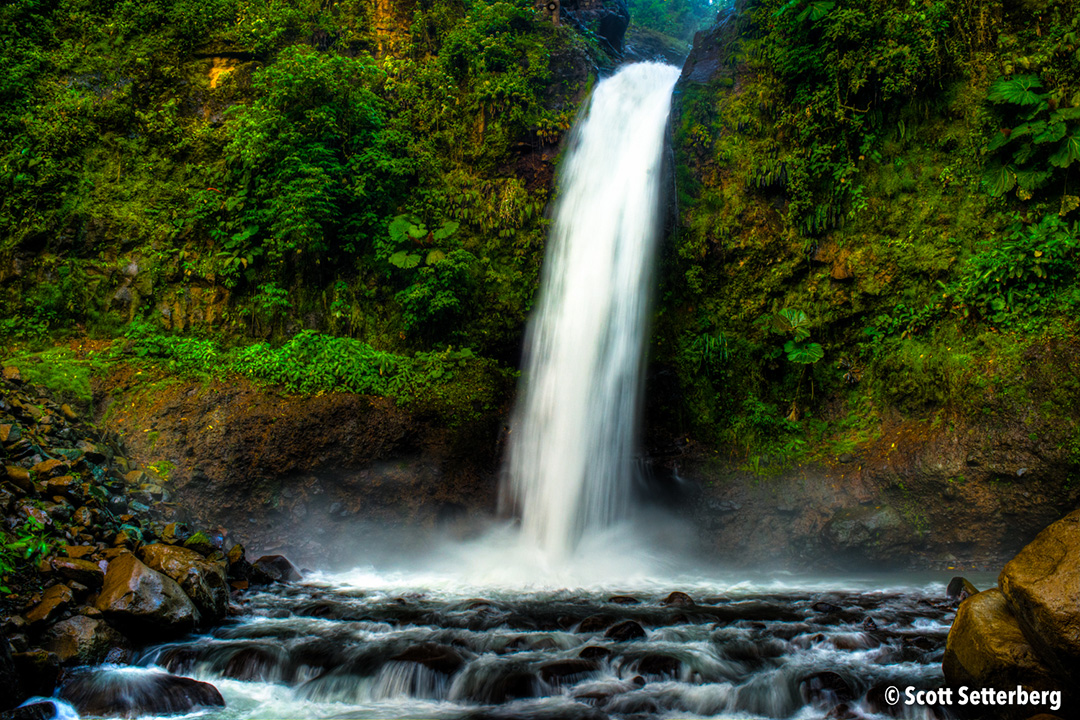 costa rica waterfalls image