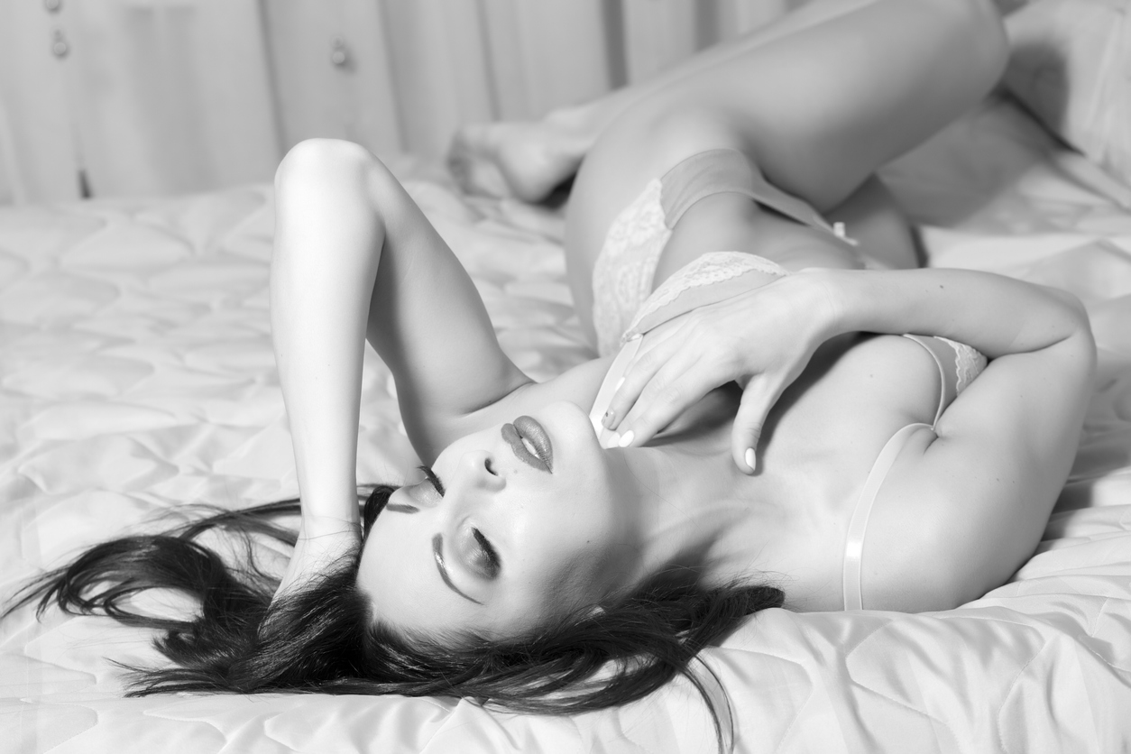 posing tips boudoir photo image