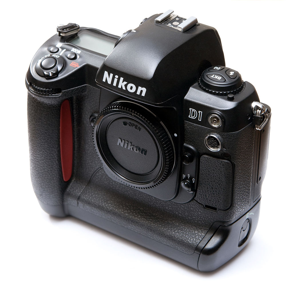 dslr vs mirrorless cameras nikon d1 image