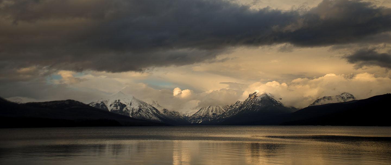 glacier national park travel guide image