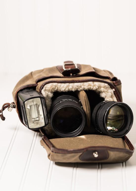 explorer lens pouch 1 image
