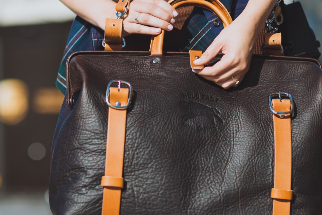 shearling lined strap image