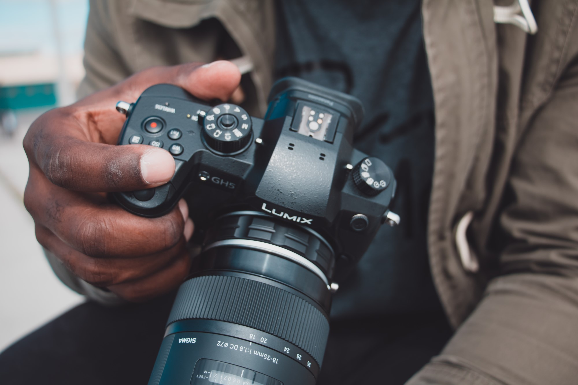 Mirrorless Camera Accessories You Need Right Now image