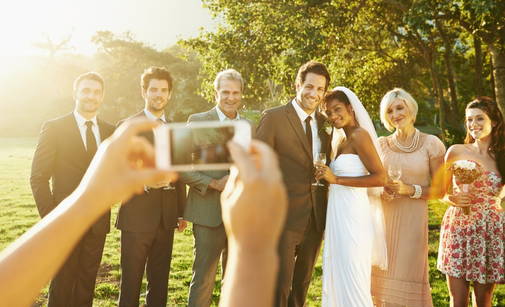 how to photograph a wedding alone 1 image