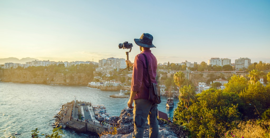 How to Stabilize a Camera for Vlogging image