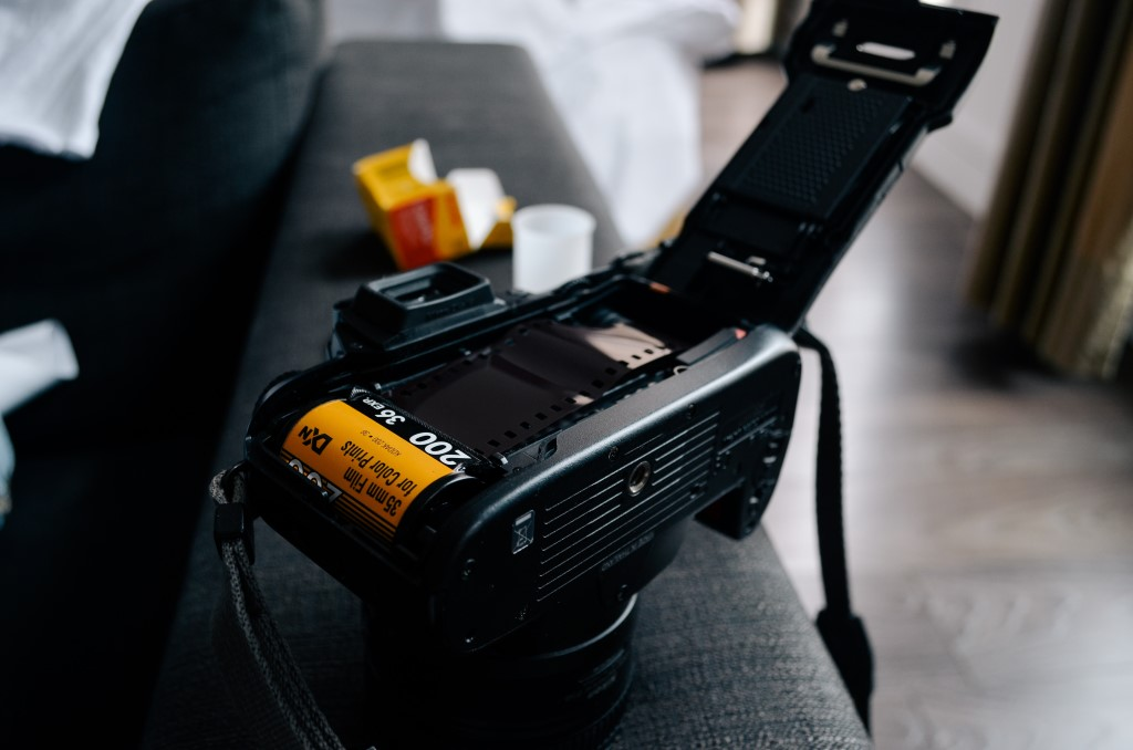 Best Film Cameras for Beginners image
