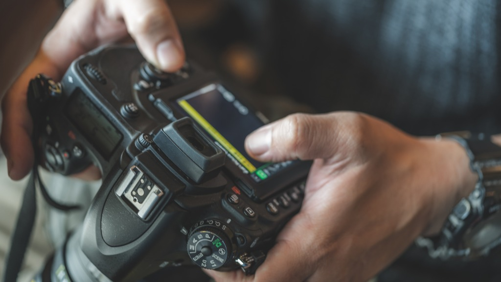 Tips for Buying a Used DSLR