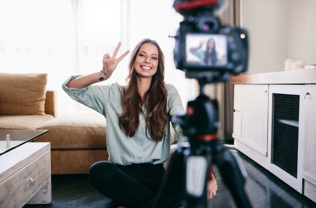 Getting Started in Vlogging What You Need and Best Practices image