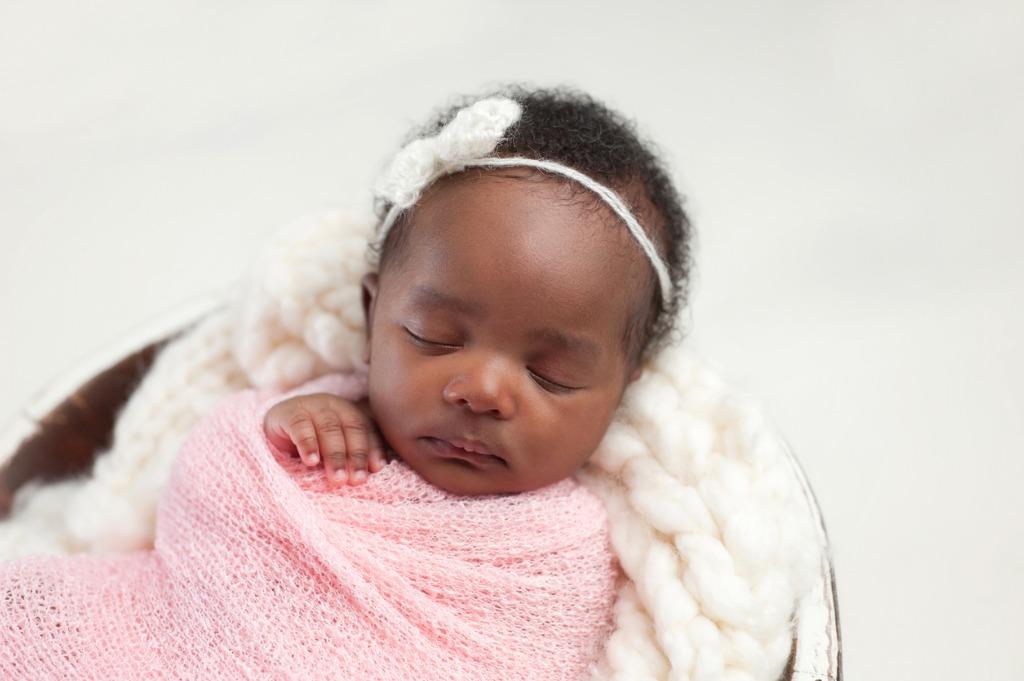 newborn portraits 5 image