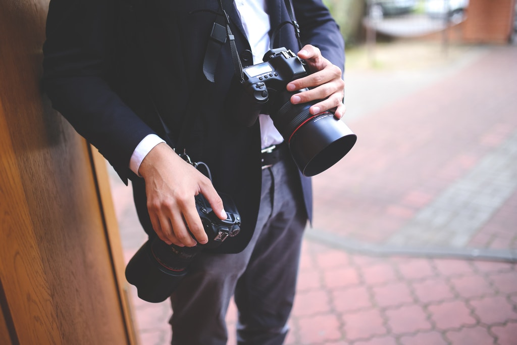3 Cameras for Wedding Photographers on a Budget image