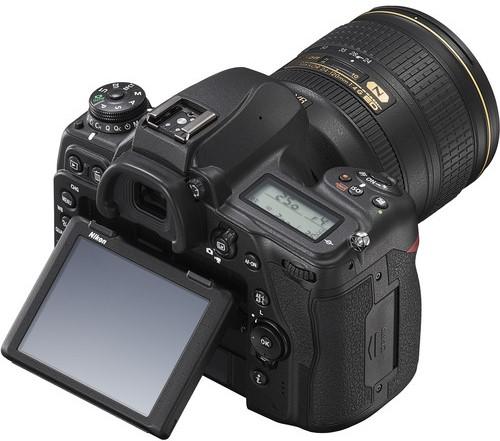 Nikon D780 Body Design image