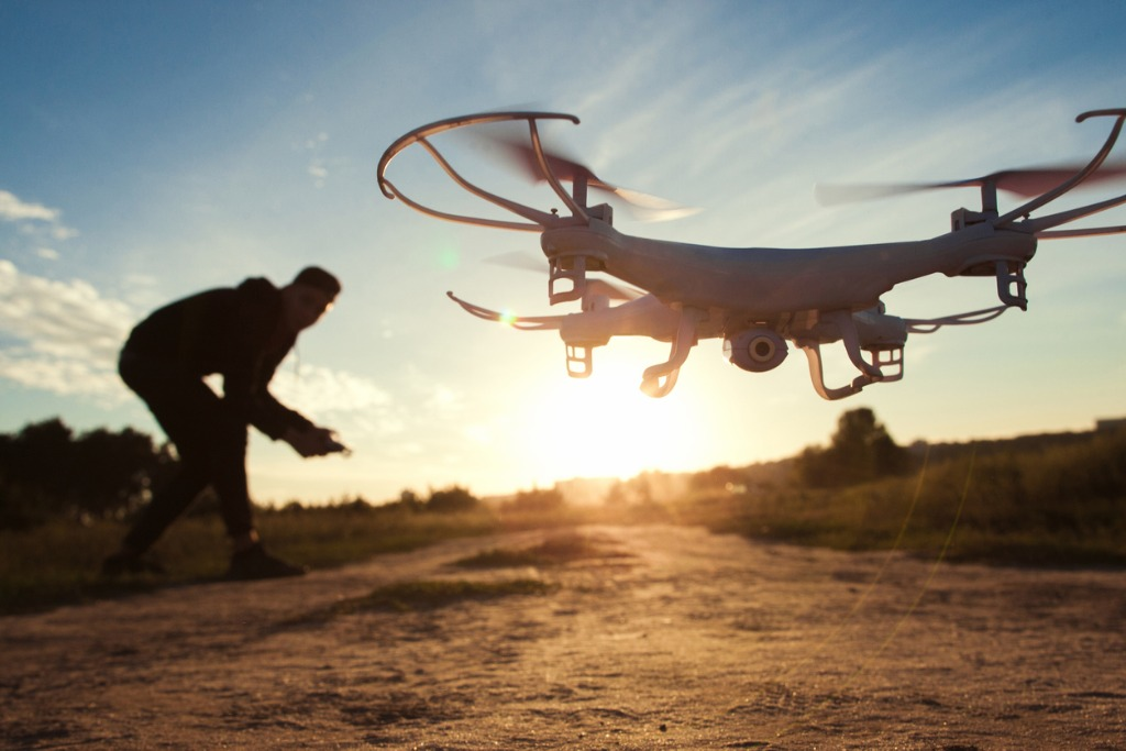 how to fly a drone safely 5 image