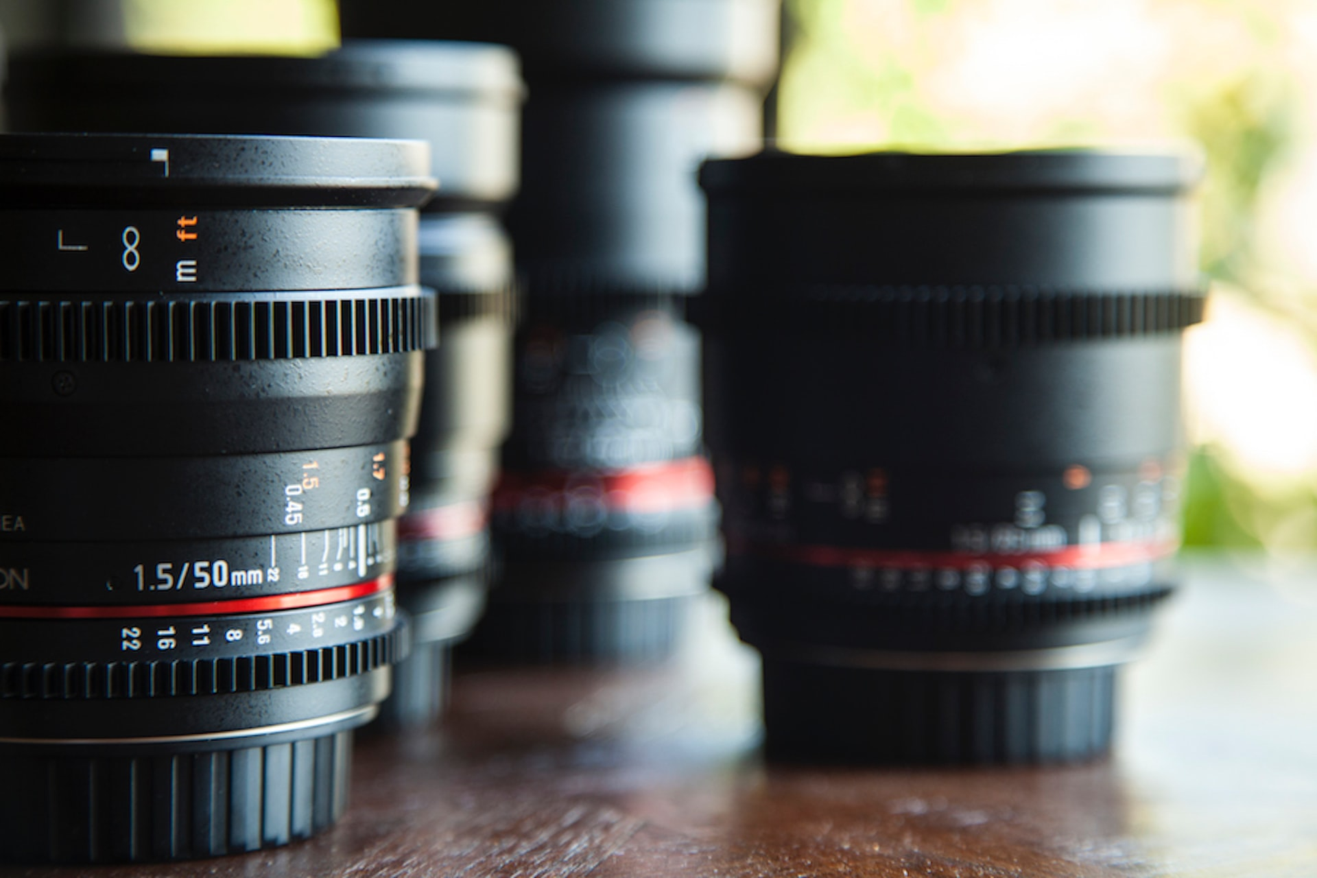 Mirrorless vs DSLR Lenses image