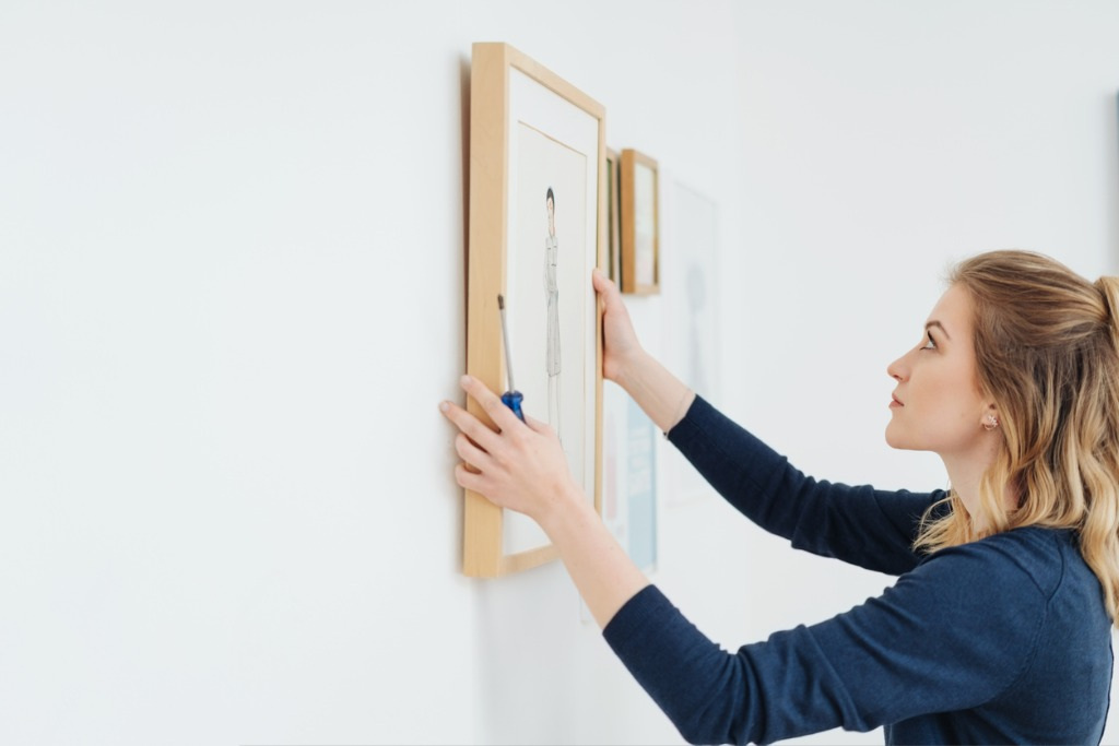 How to Display Your Photos on a Gallery Wall in Your Home image