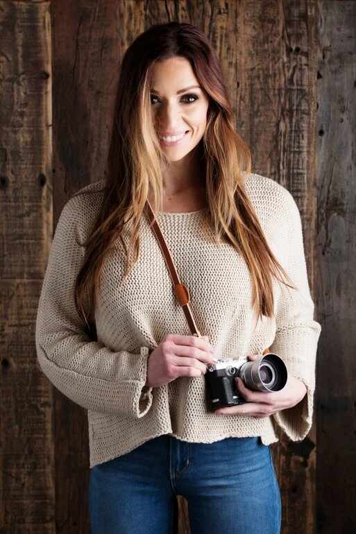 Best Camera Strap for Beginner Photographers image