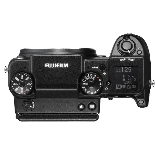 Fujifilm GFX 50S Build Handling 5 image