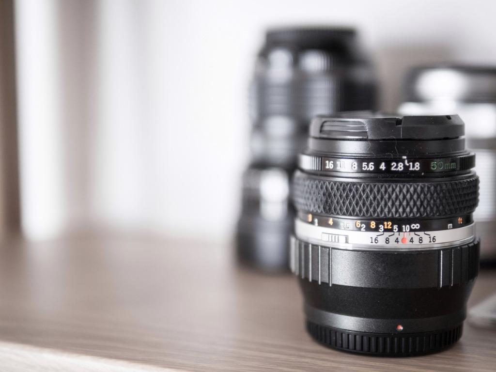 adapt it to the smaller lens diameter 2 image