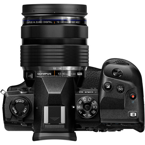 Olympus OM D E M1X Build Handling 1 image