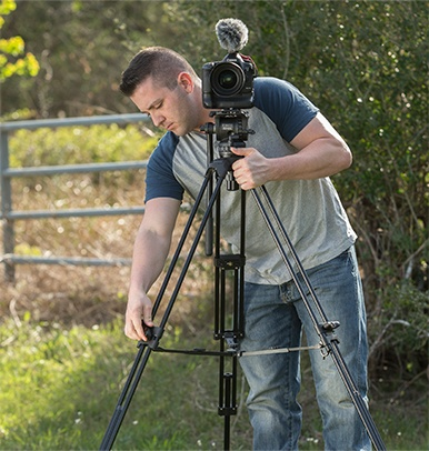what to look for in a video tripod 2 image