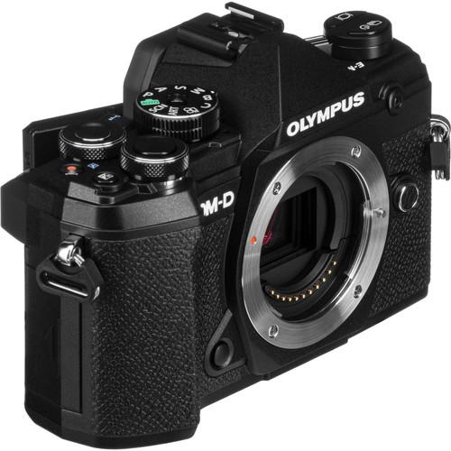 Olympus OM D E M5 III Build Handling 2 image
