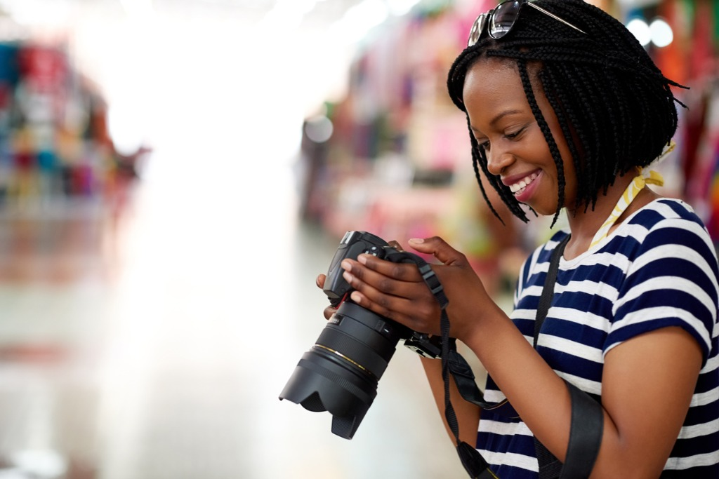 how to make more money as a photographer image