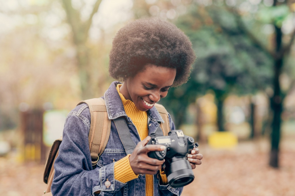 How to Get and Retain More Photography Clients image