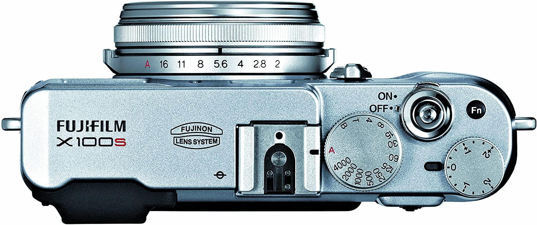 FujiFilm X100s Build Handling 2 image