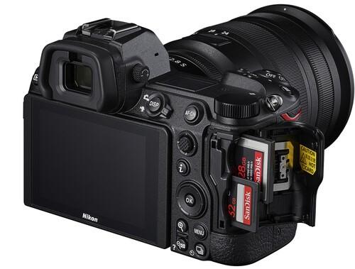 Nikon Z7 II Build Handling 2 image