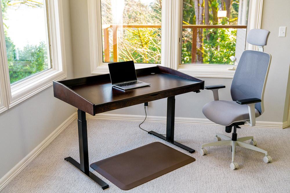 captains desk is a breeze to assemble