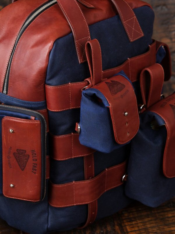 camera bags for hiking image