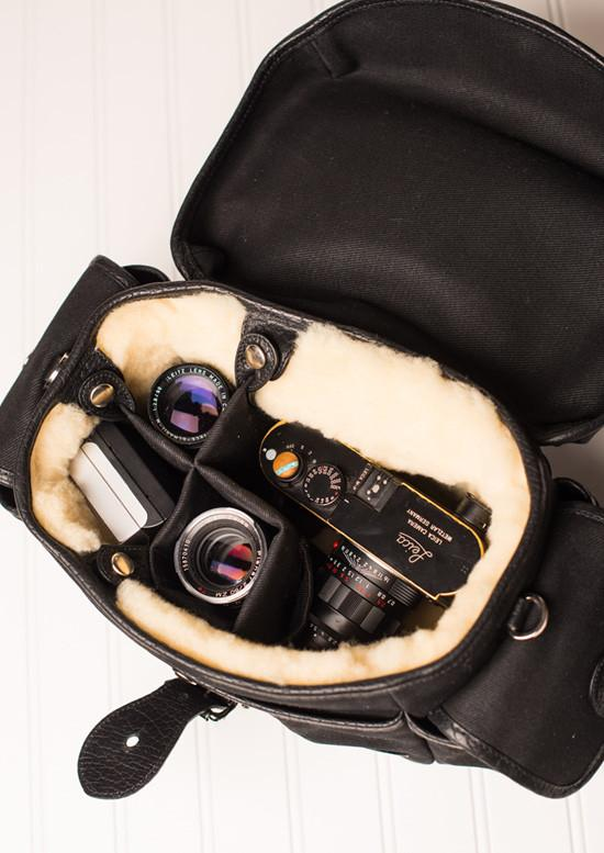 what to look for in a camera bag image