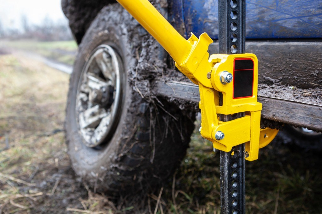 Best Jacks for Off-Roading